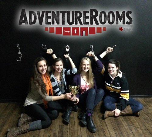Adventure Rooms Canada: Escaped with 6 minutes to spare!