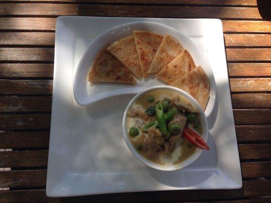 Deck 1, Rarinjinda Wellness Spa Resort : Green curry with Rosti- yummy!!