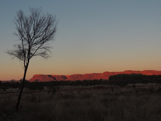 Kings Canyon Resort Campground : Sunset from the campground