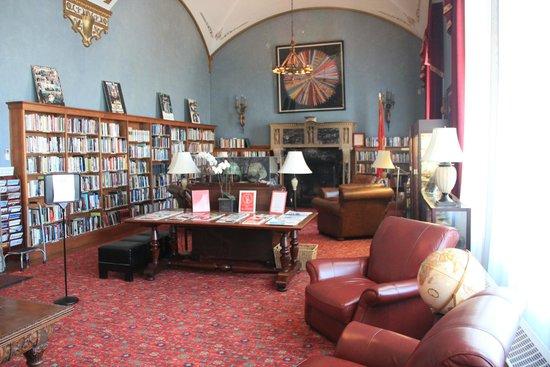 Marines Memorial Club Hotel : La bibliothèque