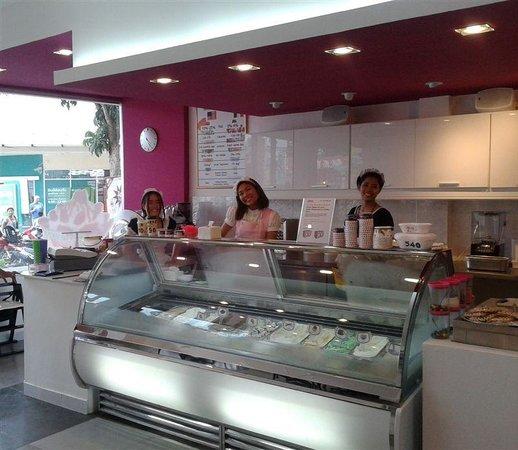 Samero's Gelato Cafe: friendly staff - top service- premium Gelato