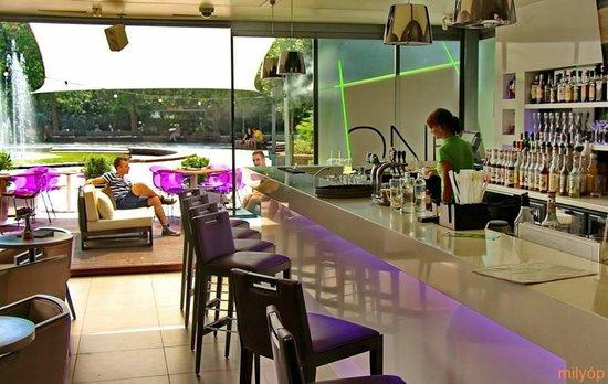 Cafe One Cukrászda és Kávézó