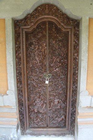 Kebun Indah : Door of Mangga Madu room.