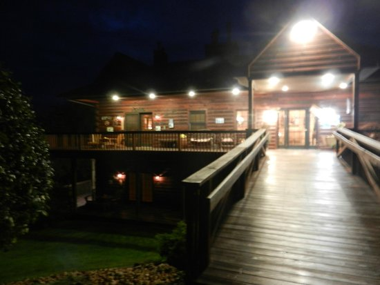Nebo, IL: Prairie lodge at night