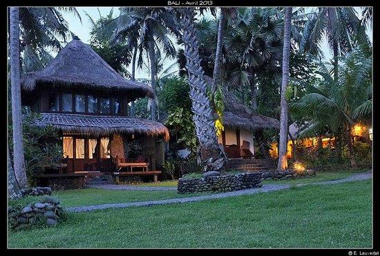 Seraya Shores: Notre bungalow à gauche
