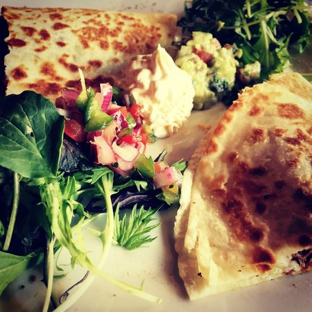 Little Mexico Cantina & tequila Bar : Beef quesadilla