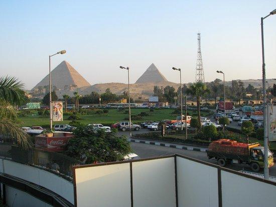 Vue de l 39 h tel picture of mercure cairo le sphinx giza for Le jardin hotel mercure