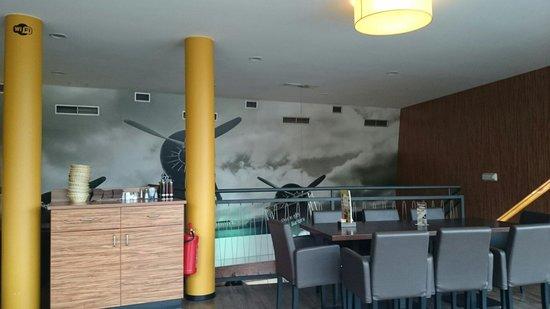 Kavarna Q: First floor