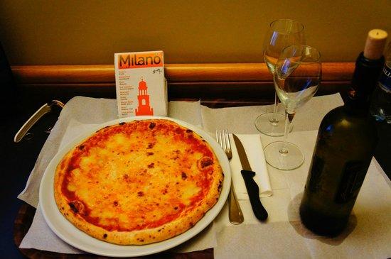Club Hotel: Пицца и вино