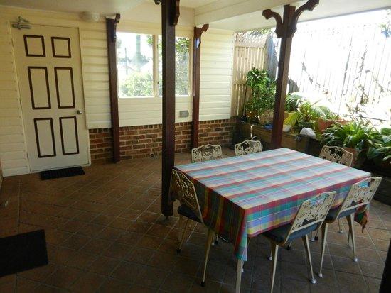 Ruskin House: outside