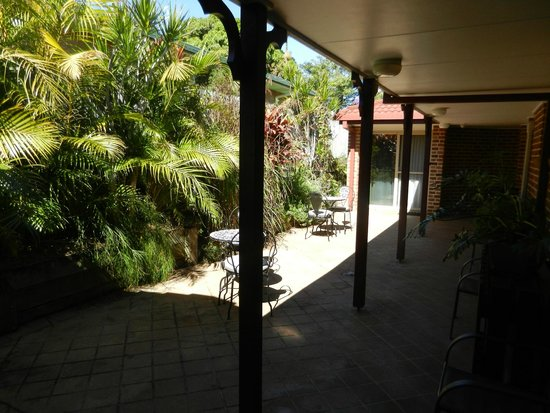 Ruskin House: lovely courtyard