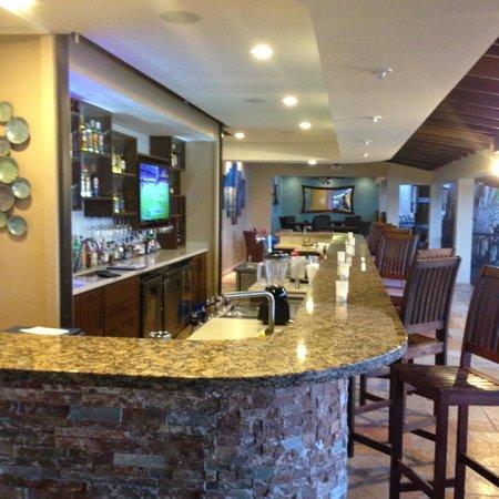 Blue Waters Inn : Bar!