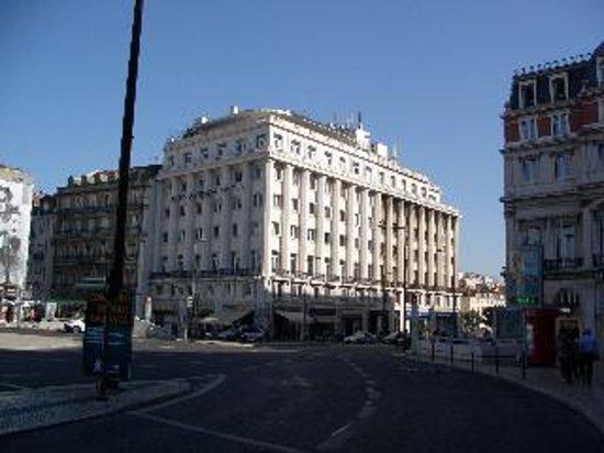 Altis Avenida Hotel: L' hotel visto dalla piazza
