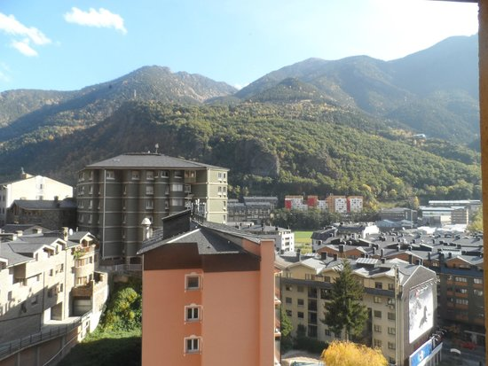 Hotel Sant Jordi : Вид из окна номера