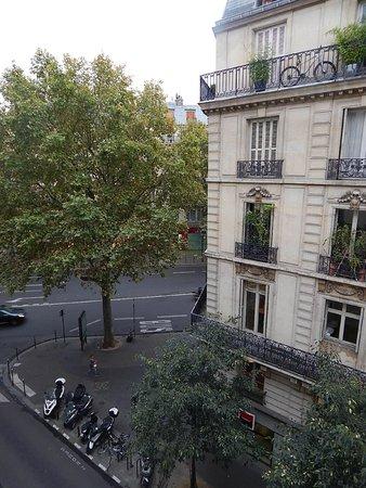 Hotel Paris Bruxelles: Вид из окна - перекресток Meslay и Temple
