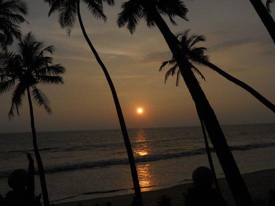 Ocean Hues Beach House: sunset from the 1st floor balcony