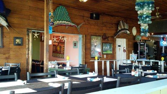 Crazy Fish Bar & Grill: inside