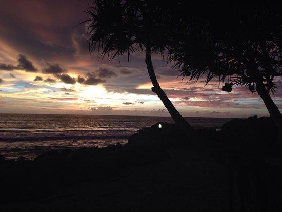 MOONLIGHT Exotic Bay Resort : Sunset