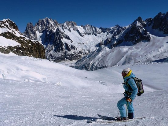 Vallee Blanche: Our guide, at the half way point