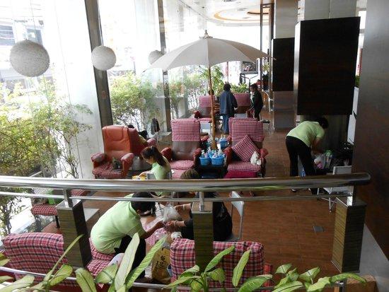 Hadyai Golden Crown Hotel: Massage corner ,with Thai traditional style ,Foot massage