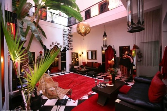 Riad Nejma Lounge: patio