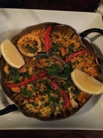 Pacharan Taberna Vasca: Paella zuada