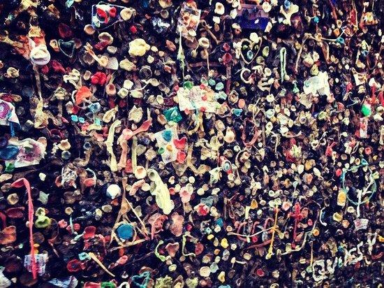 San Luis Obispo, CA: Bubblegum Alley. 24.11.2013
