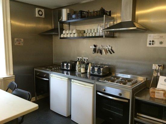 Haggis Hostels: Nice kitchen