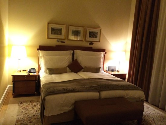 Mandarin Oriental, München: ベッド