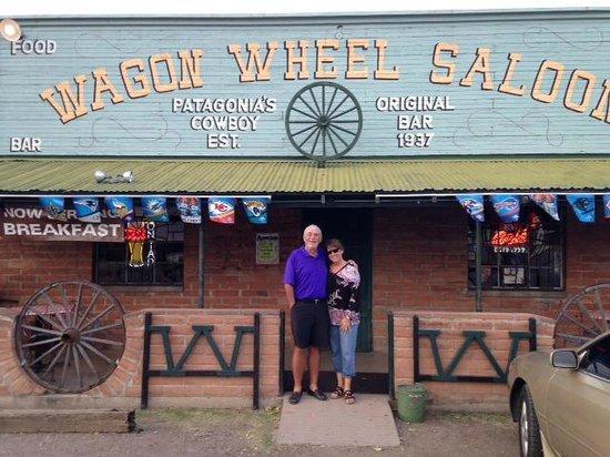 Wagon Wheel Saloon: Nice Looking Place