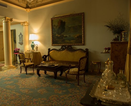 Relais Antica Badia: A living room