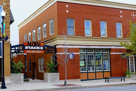 Stacks Bar & Grill