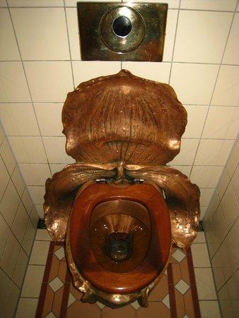 Форум секс в туалете мужчин