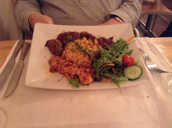 Turkish Grille Restaurant : mixed kebab chicken, lamb and kofta