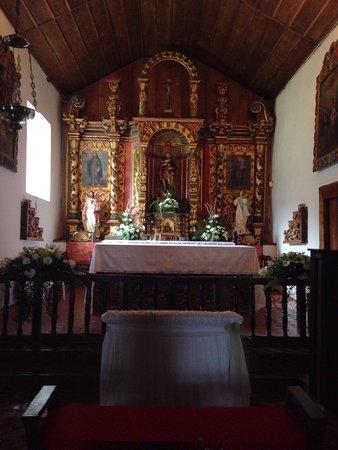 Orosi River Valley  ( El Valle del Rio Orosi ): Inside the Orosi Valley Church.