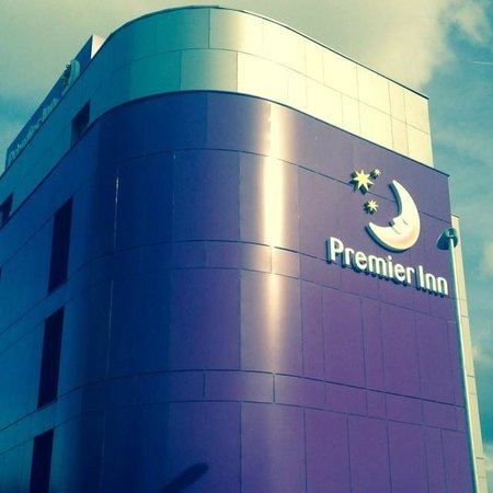 Premier Inn London Edmonton Hotel