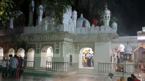 Mata Mansa Devi Mandir: The temple
