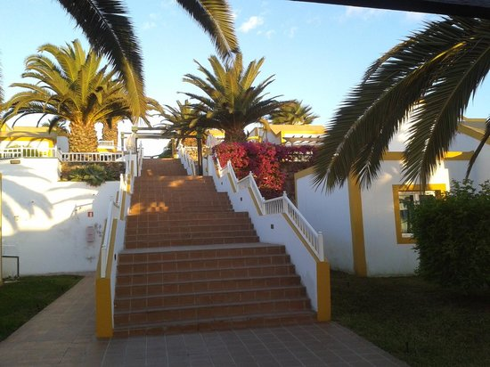 Caleta Dorada : staircase to the higher levels