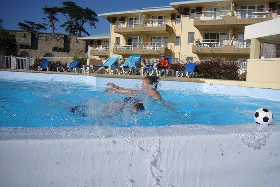 Apartamentos Pierre & Vacances Cap Morgat: piscine extérieur chauffée