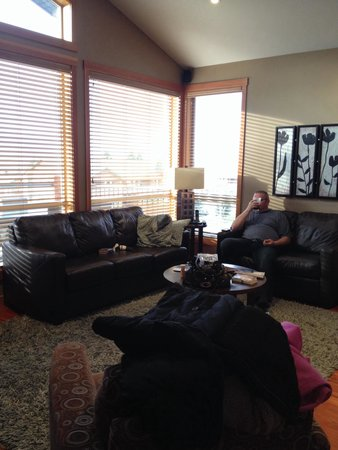 Marble Canyon & The Residences at Fairmont Ridge: Living room (ignore the hubby)
