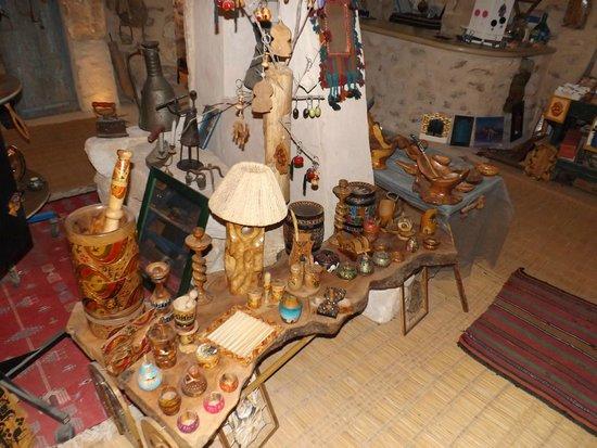 Dar Jilani La maison des Arts & Métiers: Oeuvres en objets recyclés