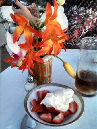 Islescapes: fresh berries with white chocolate key lime whipped cream