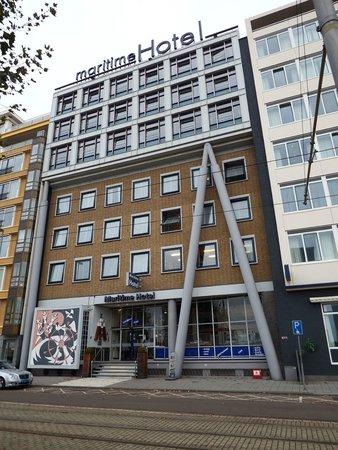 Maritime Hotel Rotterdam : The impressive facade