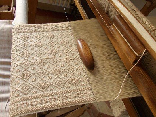 Laboratorio di tessitura a mano : cuscino