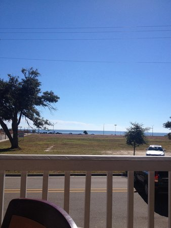 Harbor View Cafe: View from outside dining!
