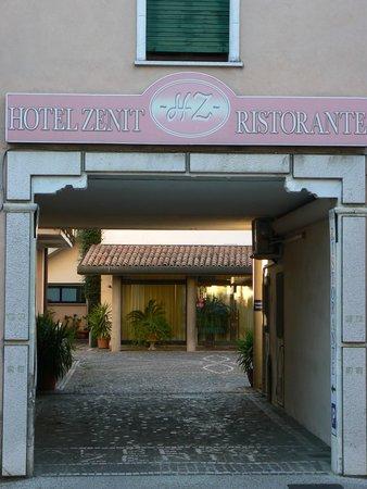 Hotel Zenit Snc di Caron Bruno & C.