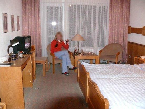 Avalon Hotelpark Königshof: Наш просторный номер