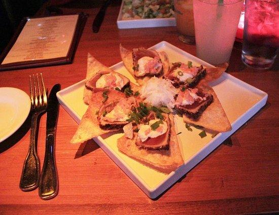 Hula's Island Grill: Seared Ahi Wontons