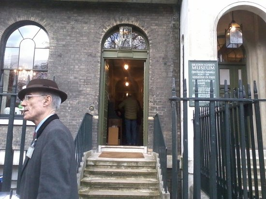 Musée Sir John Soane : The museum entrance