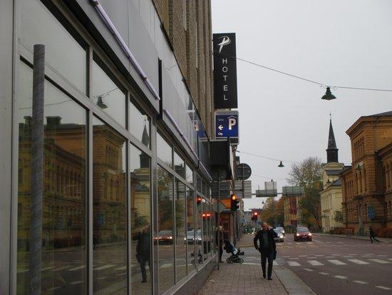 Profilhotels Hotel Uppsala: Outside the hotel, on the street Kungsgatan